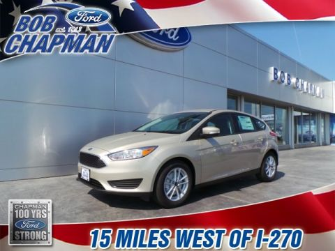 New 2017 Ford Focus SE FWD 4D Hatchback